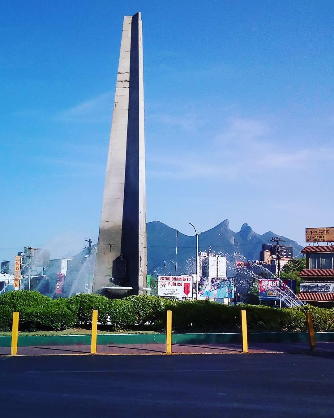 obelisco-monterrey