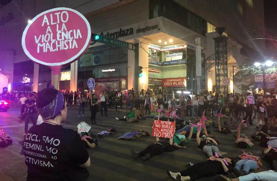 marcha-feminista-feminicidios-monterrey