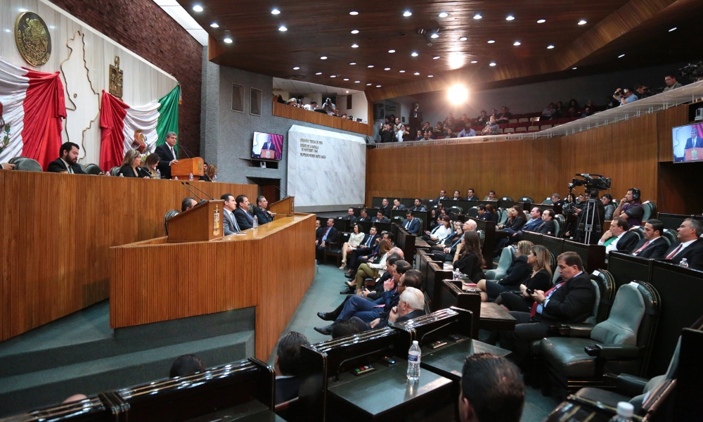 Exigen diputados retirar concesión a transportistas que participaron en paro