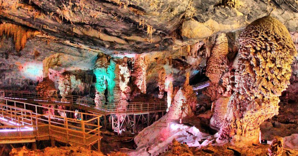 grutas-palmito-bustamante