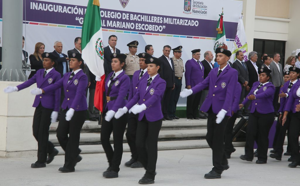 colegio-militarizado-nuevo-leon-uniformes-corrupcion-licitacion