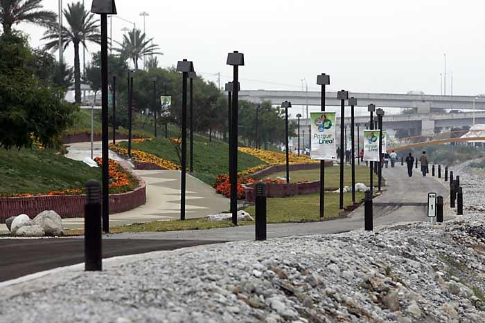 parque-lineal-rio-santa-catarina-1