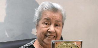 abuela-grammy-2