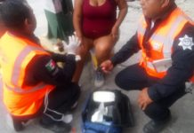 policia-transito-monterrey-primeros-auxilios