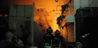 La Merced: 2 muertos y 800 locales dañados tras incendio