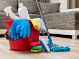 ¿Cuáles objetos de uso común se deben limpiar y desinfectar?