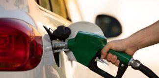 Por esta razón la gasolina bajó de precio en México