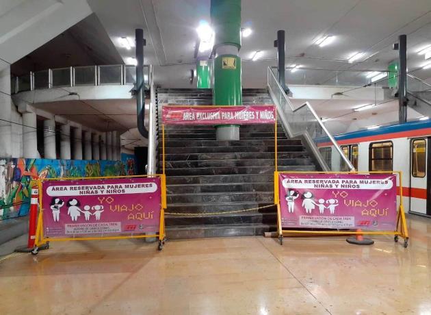 vagon-rosa-metrorrey-metro-monterrey
