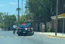 Arrestan a hombre por caminar desnudo en San Pedro