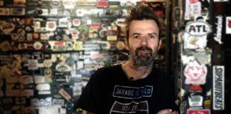 ¡Se va un grande! Fallece vocalista de Jarabe de Palo