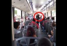 (VIDEO) Por no usar cubrebocas, policías bajan a una mujer del camión