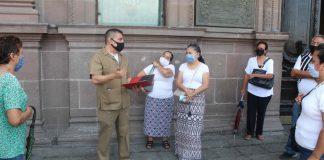 Maestros jubilados protestan frente a Palacio de Gobierno