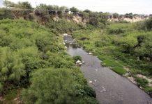 ¡Alerta! Denuncian olores fétidos en río Pesquería