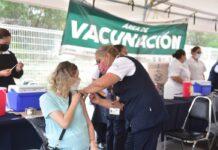 Posponen vacunación contra COVID-19 en Apodaca por retraso en entrega de dosis