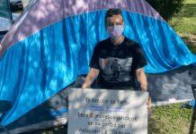 Protestan por transfobia en despido de maestro de FaPsi