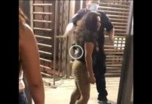 video mujer escupe oficial migracion mexicali garita